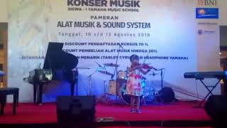 Biola cilik Kota Jambi Aisyah Konser Yamaha Music Jambi