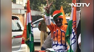 Congress Workers Celebrate Outside Sachin Pilot