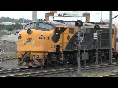 Former NSWGR 421 Class Loco 42103 Shunts SCT Cars