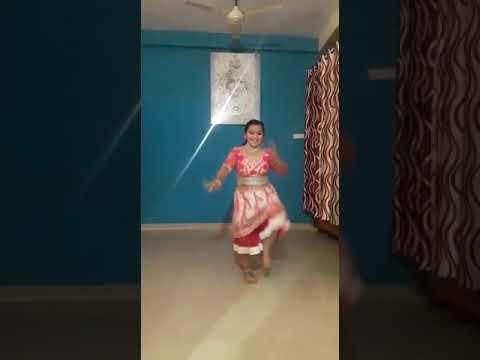 Aankh Mare Ladki Aankh Mare Dil Dhadkaye Siti Bajaye Dance