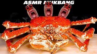 Today's menu is ...! Living giant king crab!! I've steamed a huge live king crab. The seller delivered the fresh King Crab caught today! Today's menu is the ...