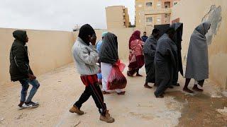 التعذيب الجنسي وسيلة ابتزاز المهاجرين واللاجئين إلى أوروبا عبر ليبيا…