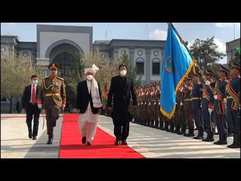 Afghan president welcomes Pakistan PM to Kabul with honour guard   AFP