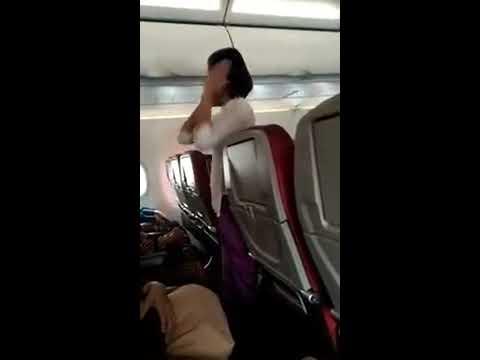 Lihat Apa Yang Di Lakukan Pramugari Pesawat Batik Air Penerbangan Lubuk Linggau To Jakarta