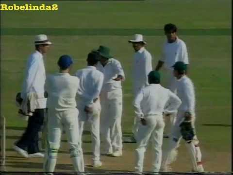 Angry Pakistan Players Fight With England Umpire,awful Cricket