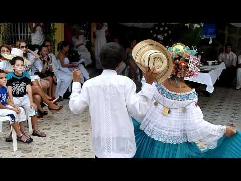 Panama Children performing traditional dance