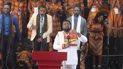 Fr Emmanuel Musongo dans Excess love (cover )lingala+kumama medley