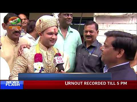 Bridegroom in Delhi casts vote before his Baraat commences | Sixth phase polls | DD INDIA