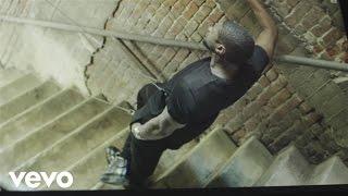 Usher - She Came II Give It II U - Behind The Scenes ft. Nicki Minaj