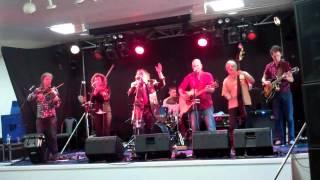Bushwackers Band Bound for South Australia & Michael Vidale Joke