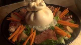 Деликатесный салат с сыром Буррата, белыми грибами и вырезкой