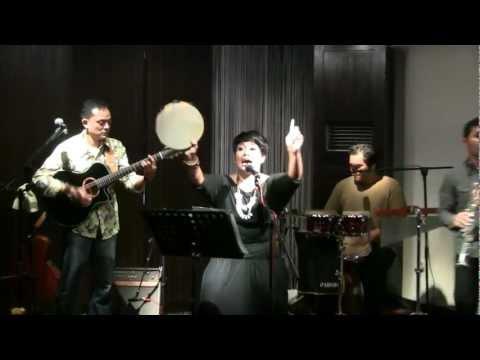 Bonita & the Hus Band - Gang Kelinci @ Mostly Jazz 04/11/11 [HD]