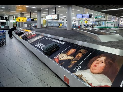 The first baggage carousel art exhibition ever – Rijksmuseum Schiphol
