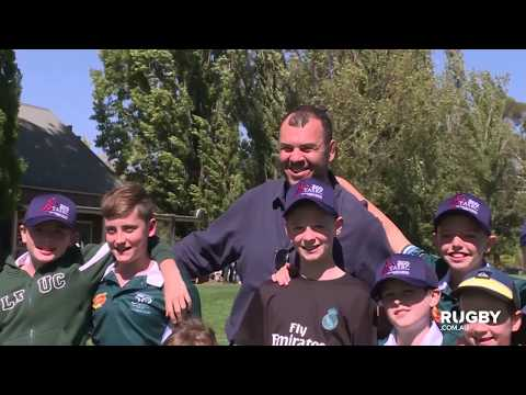 Cheika is king of the kids in Armidale