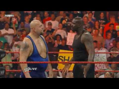 Shaquille o'neal Hosts WWE Monday Night Raw!!! 8.3.09