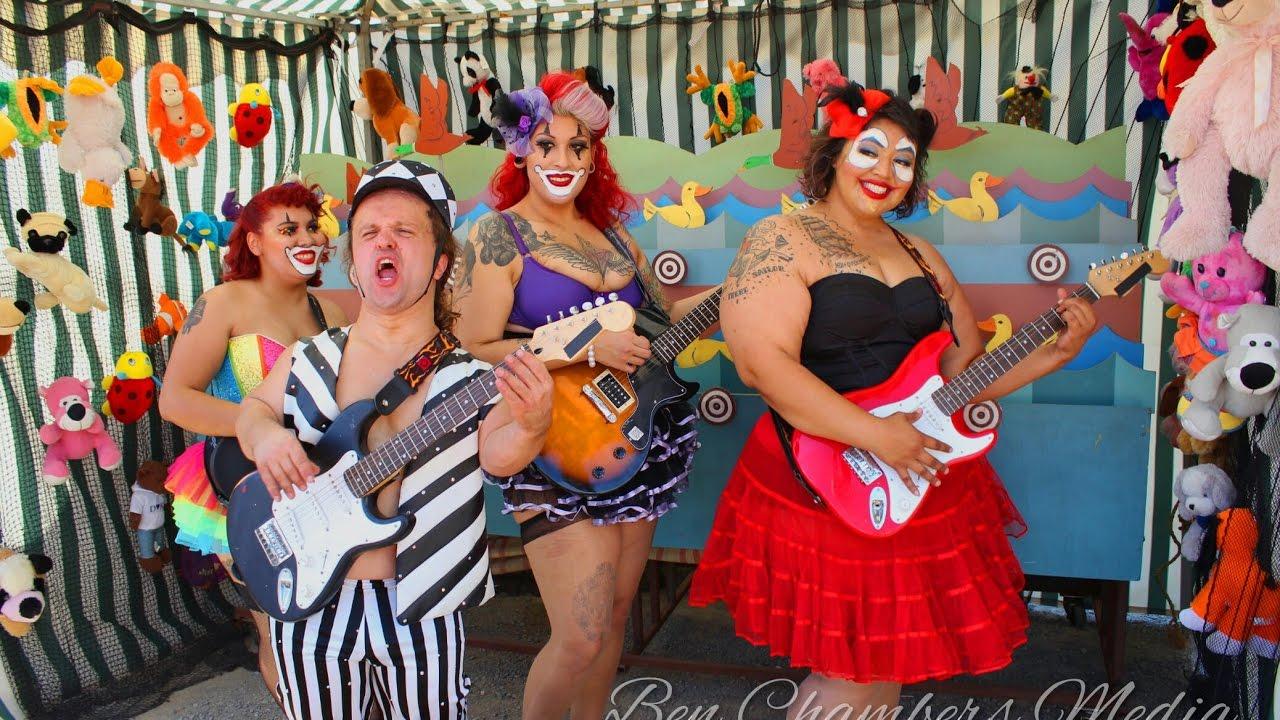 Circus midgets