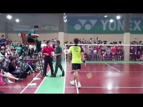 Taufik Hidayat Vs Chetan Anand - Bay Badminton - Arguing over a birdie