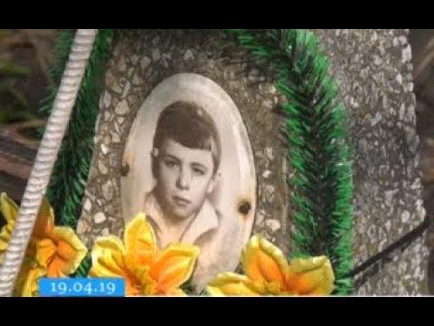 ТРК ВіККА: У Черкасах невідомі потрощили могили на цвинтарі
