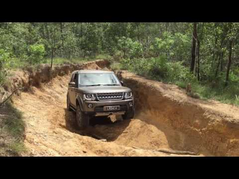 Land Rover Discovery 4 - Glasshouse Mountains Powerlines Track