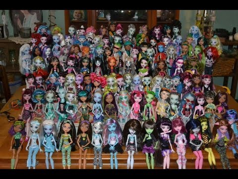 MONSTER HIGH COLLECTION OVER 200 DOLLS!
