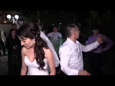 Най-забавното сваляне на жартиер - сватбата на Атанас и Теодора