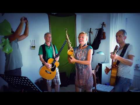 Probenspaß - Fun while rehearsing with Sax,  Bass and Guitar