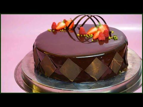 Schokoladige Sahnetorte Mit Brownieboden, Pfirsichkern Und Mirror Glaze - Kuchenfee
