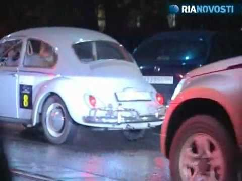 Moscow vintage car owners rally on Night of the Museums