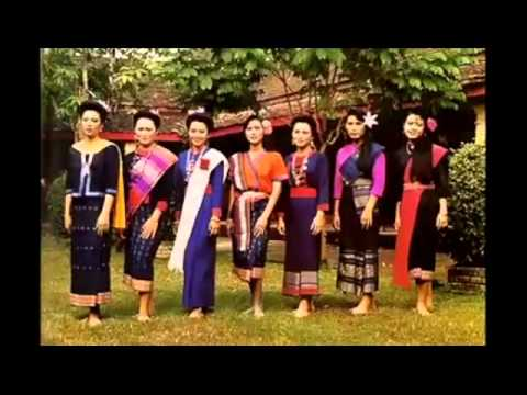การแต่งกาย  4  ภาค  ของไทย
