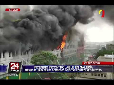 Impactantes imágenes: incendio de grandes proporciones consume galería cerca a Las Malvinas (3/4)