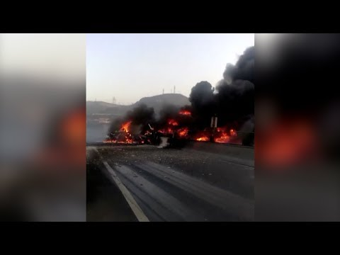 Tanker Loaded with Diesel Burns down on north China Expressway