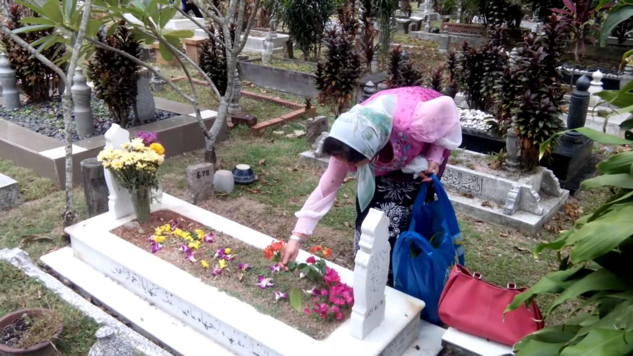 My mom in the muslim cemetery in bukit kiara in kl in malaysia my mom in the muslim cemetery in bukit kiara in kl in malaysia youtube izmirmasajfo