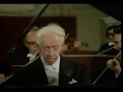 Beethoven Concerto No. 3 Mvt. 1 - Artur Rubinstein (1of2)