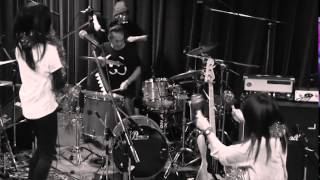 tricot - Niwa Studio Live Session with 5 Drummers thumbnail