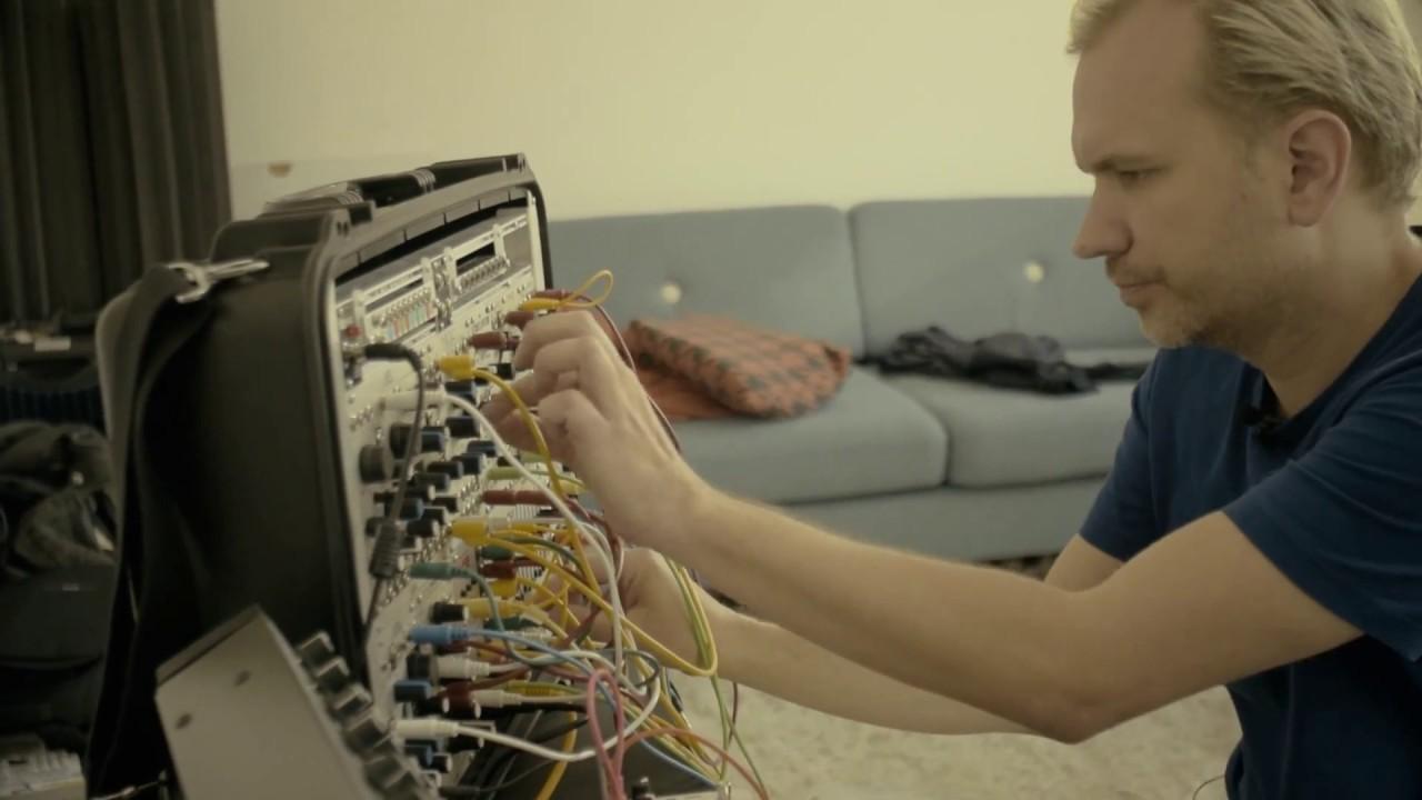 Berg In hans berg in the studio