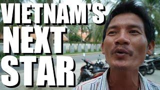 Vietnamese Man LOVES to Sing English Songs.