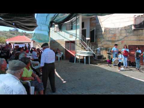 Festa do Pão 2015 em Carnicães. Grupo de concertinas.