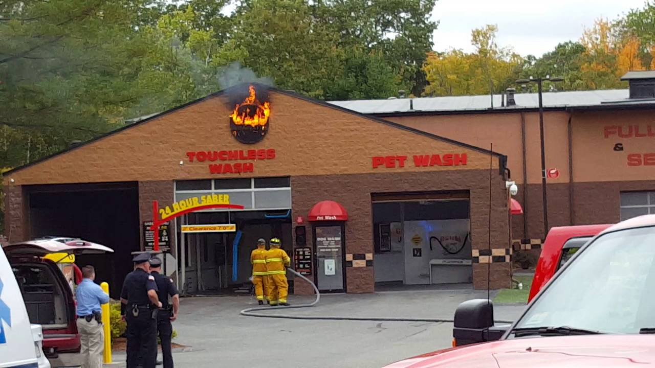 Fire at fitzys car wash youtube fire at fitzys car wash solutioingenieria Choice Image