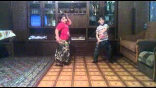 цыганские танцы хадижа город орел(видео, добавленное с мобильного телефона., 2014-01-09T01:35:40.000Z)