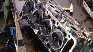 Часть1 Очень редкая поломка  Ремонт двигателя ВАЗ 2107(, 2014-10-31T10:39:36.000Z)