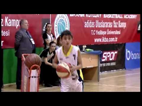 Kerem Özkefeli Junior League 2013 Spalding 3 sayı yarışması