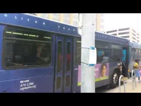 Bus bunching on