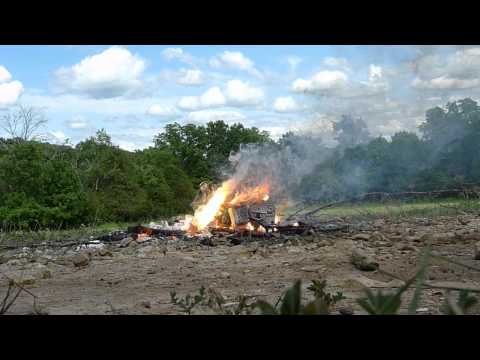 DUMPING WATER ON BURNING MAGNESIUM CHAINSAW!