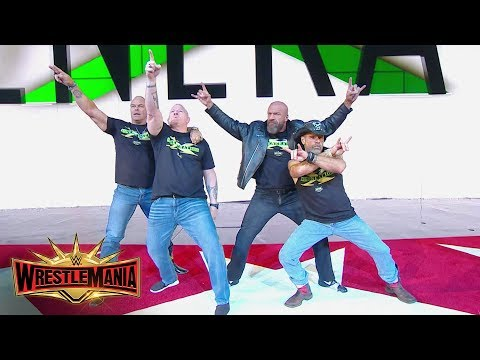 The WWE Universe celebrates the newest WWE Hall of Fame Inductees: WrestleMania 35 (WWE Network)