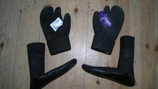 Одягання мокрого гідрокостюма на любрикант...(нетрадиційне використання інтимного любриканту на водній основі., 2014-11-27T21:30:01.000Z)