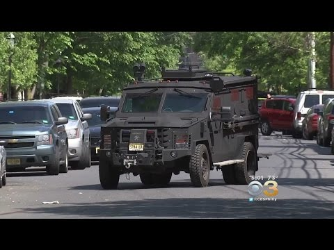 Police: 1 Dead, 2 Officers Injured In Trenton, Barricade Situation Ongoing