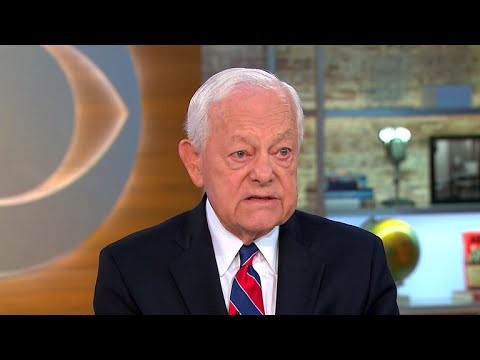 "Bob Schieffer on ""embarrassing"" Scaramucci interview"