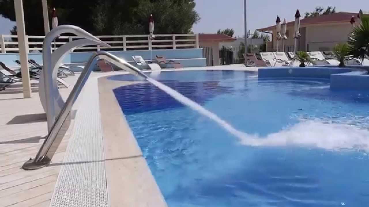 Piscina con giochi d 39 acqua e idromassaggi in provincia di foggia dauniacold youtube - Acqua orecchie piscina ...