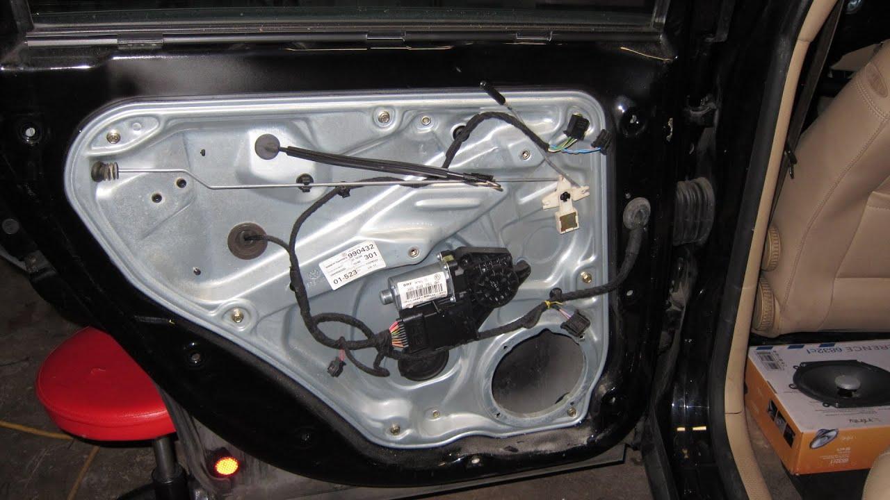 05 vw passat rear door speaker removal replace [ 1280 x 720 Pixel ]