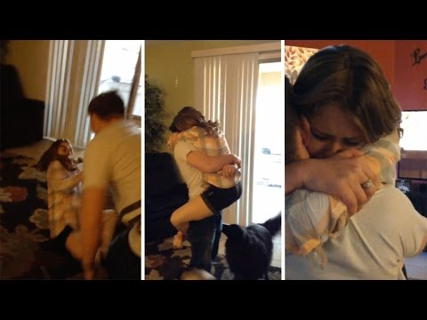 Thumbnail: Soldier Returns Home To Surprise Sister